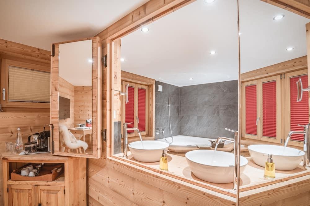 Lifestyle Deluxe Double Room - Bathroom