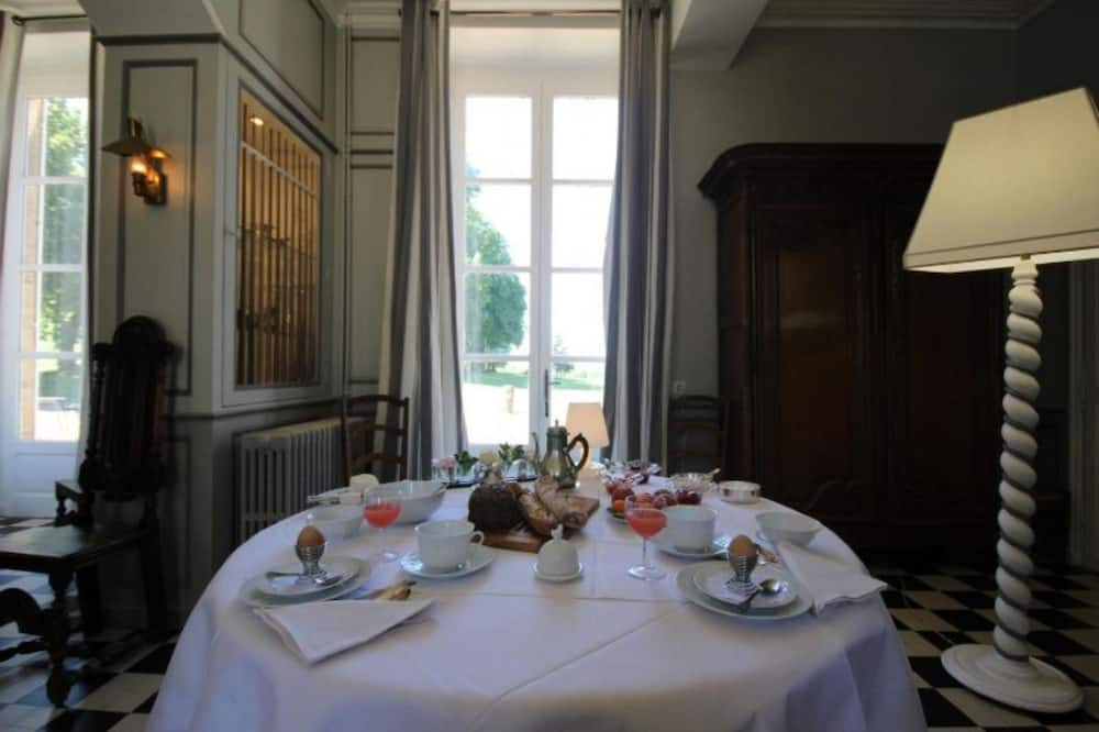 Comfort Tek Büyük Yataklı Oda, 1 Büyük (Queen) Boy Yatak, Park Manzaralı - Ryokan yemek servisi