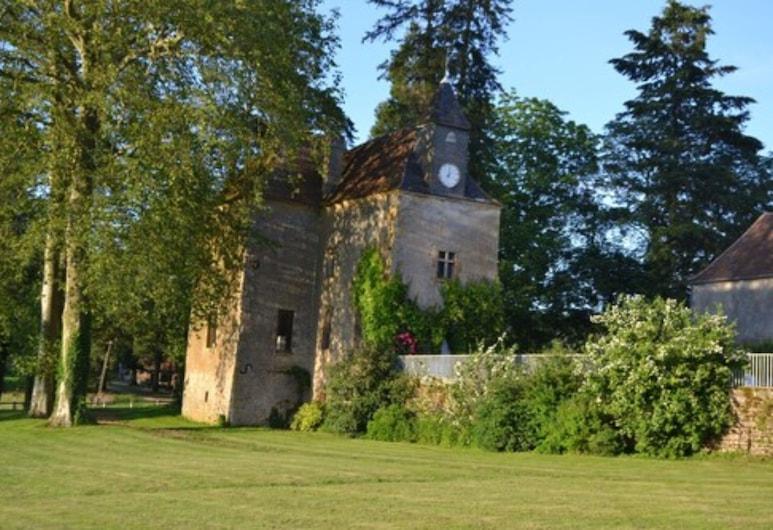 Château de Sury, Saint-Jean-aux-Amognes, Áreas del establecimiento