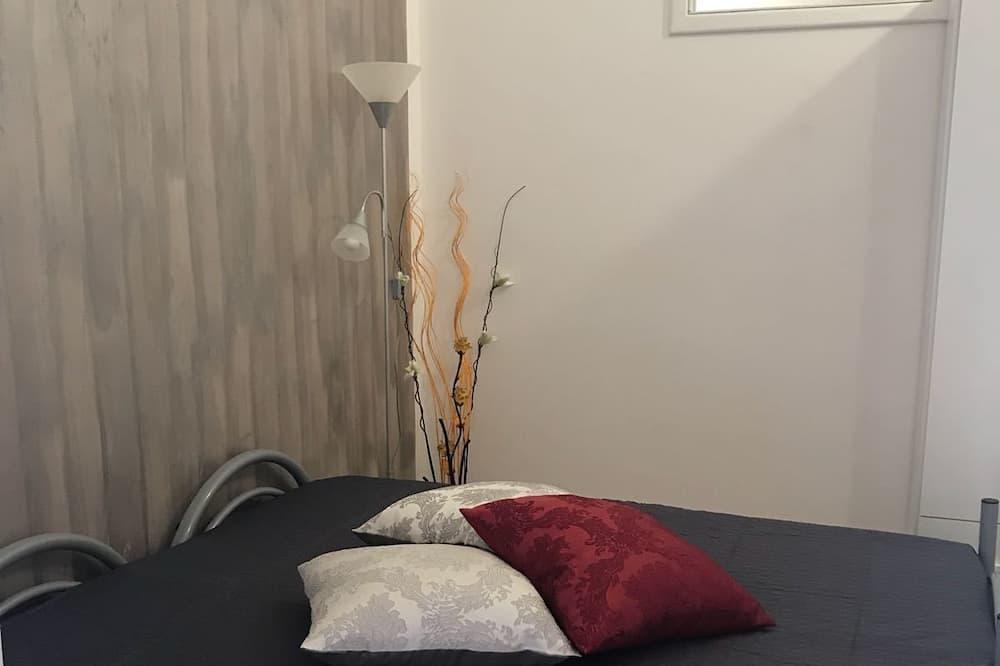 ห้องดับเบิล, ห้องน้ำรวม (Marielle Maison Grey) - ห้องพัก