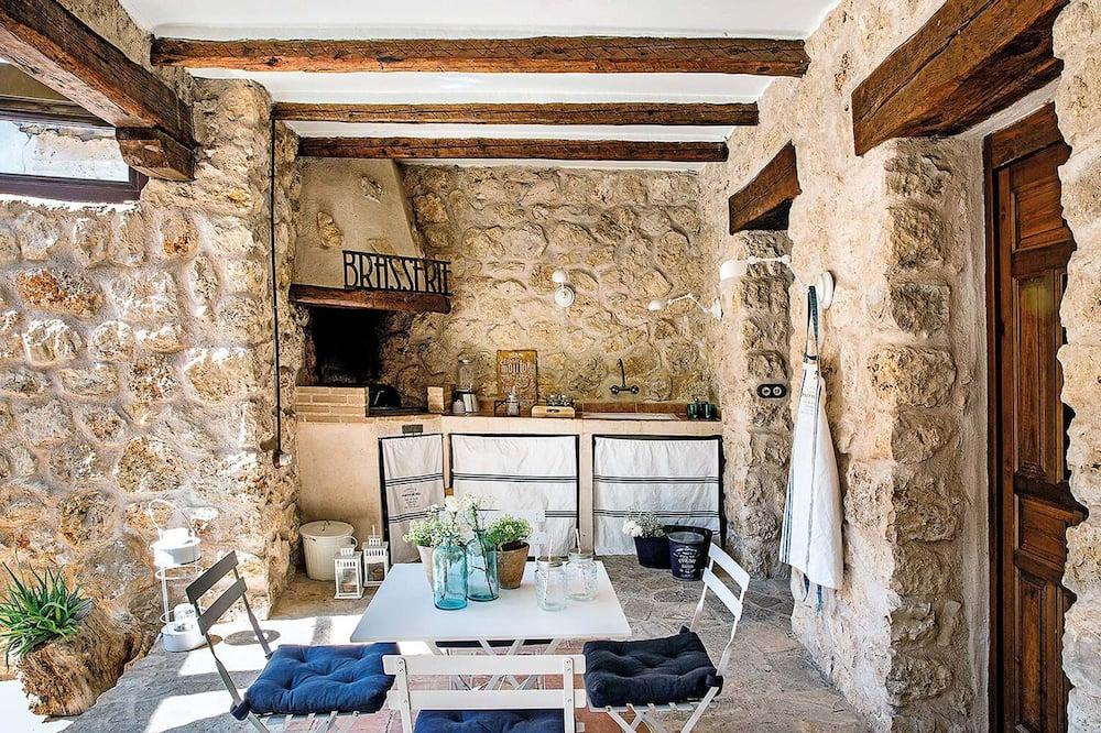 Talo, 6 makuuhuonetta - Terassi/patio