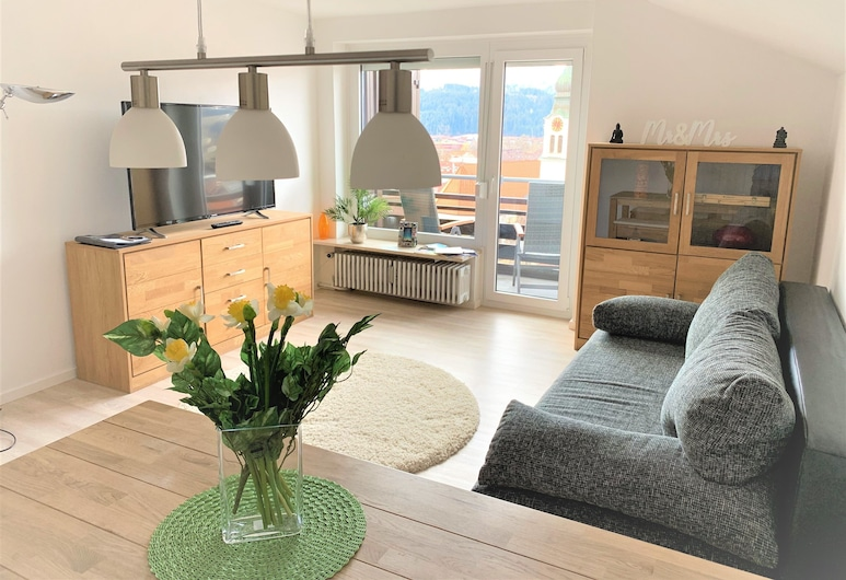 Sanosueno - Next to a golf course, Sonthofen, centrally located, modernly furnished 4 room apartment (128 m²), Living Area