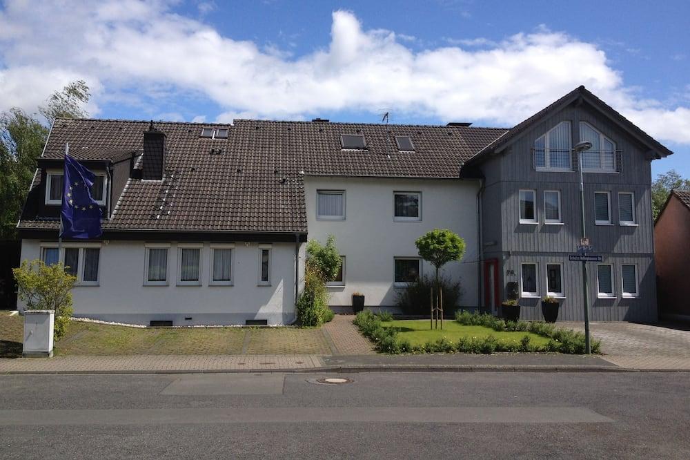 Hótelframhlið