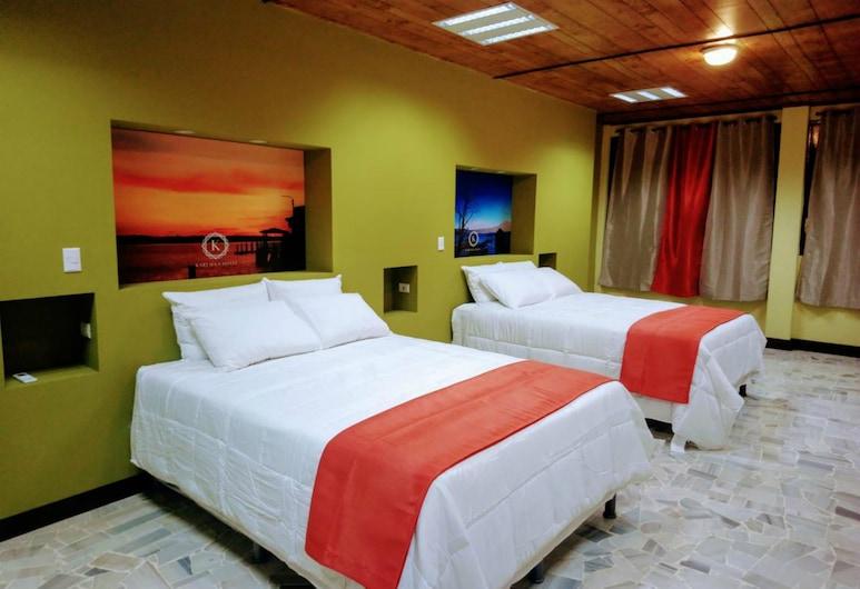 كارتاجوس هوتل, سان سلفادور, غرفة ديلوكس رباعية - سريران كبيران - لغير المدخنين, غرفة نزلاء