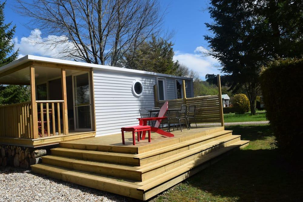 Classic Mobile Home, 2 Bedrooms (Le Pilotin) - Terrace/Patio
