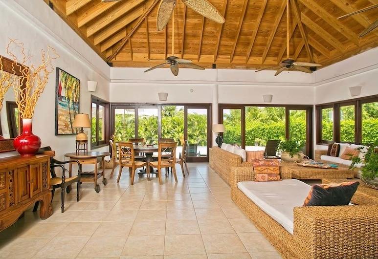 Villa Coralina by Casa de Campo Resort & Villas, La Romana, Villa, 1King-Bett, Nichtraucher, Wohnbereich