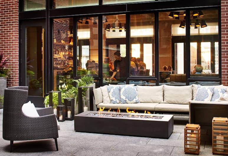 The Whitney Hotel, Boston, Courtyard