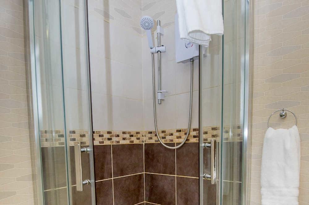 Deluxe-Studio, Mehrere Betten - Dusche im Bad