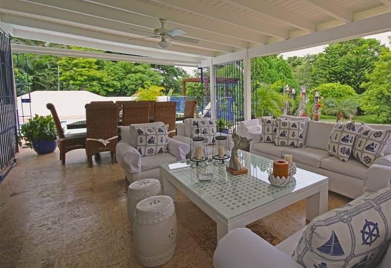 Casa del Rocio by Casa de Campo Resort & Villas, Ла-Романа, Вилла, 1 двуспальная кровать «Кинг-сайз», для некурящих, Гостиная