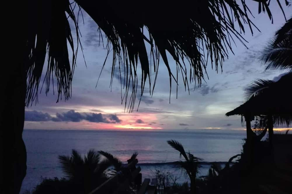 Classic Shared Dormitory, Multiple Beds, Balcony, Ocean View - Beach/Ocean View