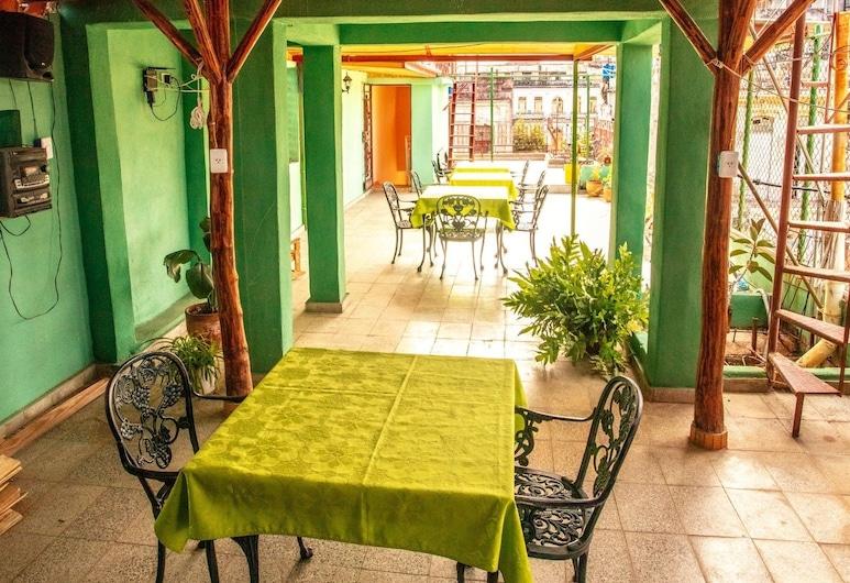 賽萬提斯達雅蜜民宿, 哈瓦那, 舒適雙床房, 多張床, 非吸煙房, 露台