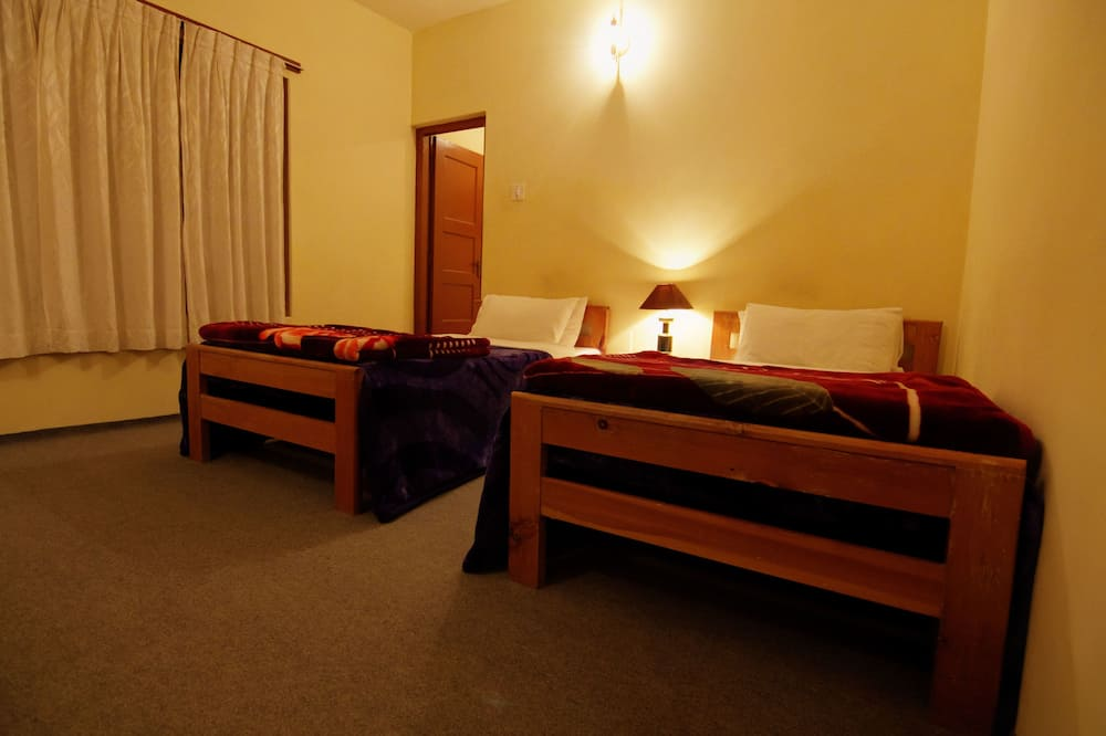 Executive Double or Twin Room, Multiple Beds, Non Smoking - Guest Room