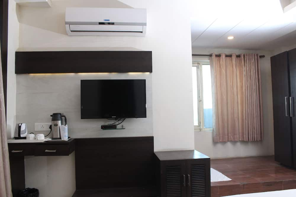 Superior Double or Twin Room, 1 King Bed, Accessible, Smoking - Guest Room