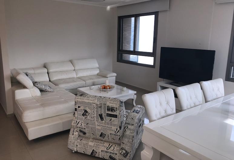 Haifa beach, Haifa, Luksusa dzīvokļnumurs, divas guļamistabas, Dzīvojamā istaba