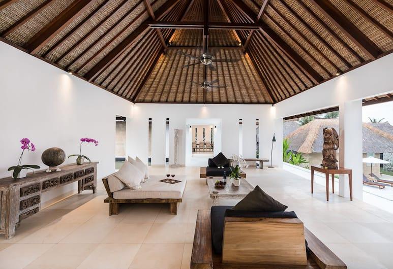 Beraban Beach House, Selemadeg, 1 Bedroom Beachfront, Living Area