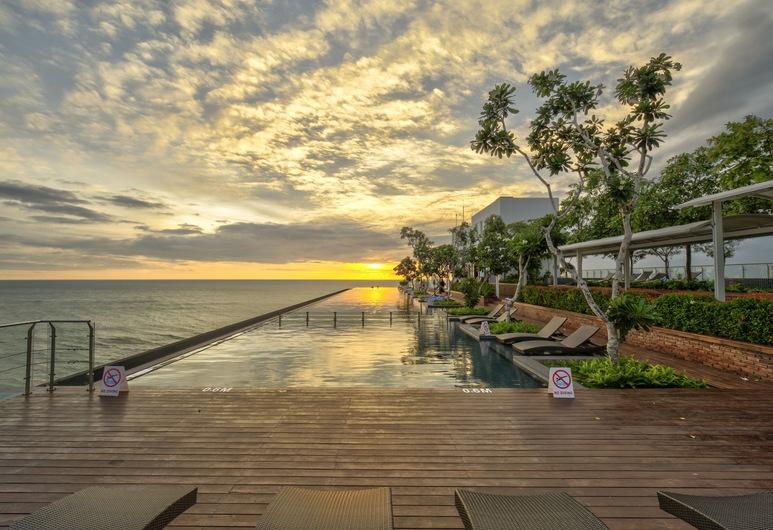Marino Beach Colombo, Colombo, Outdoor Pool
