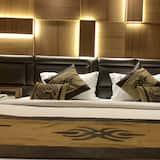 高級雙人或雙床房, 1 張小型雙人床, 非吸煙房 - 客房