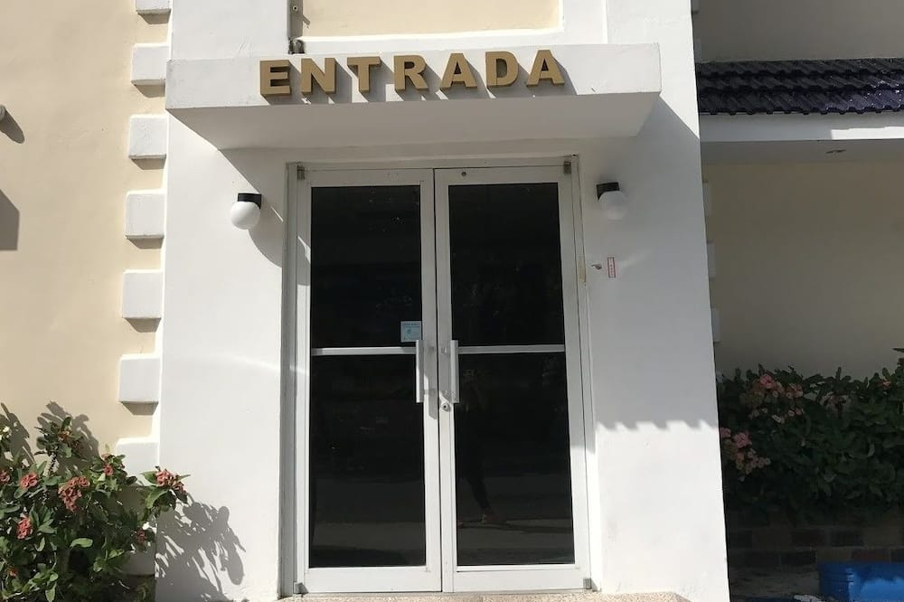ホテル エントランス