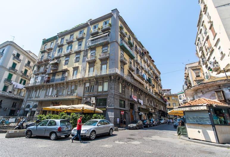 B&B Trianon, Naples, Exteriér