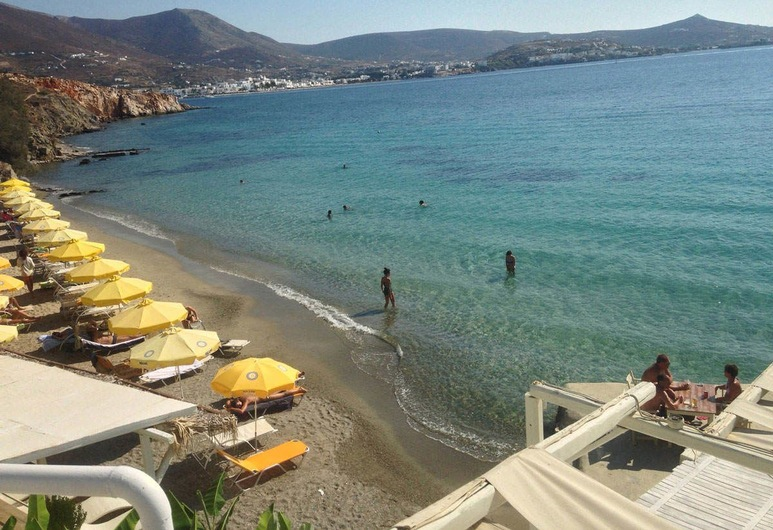 Petalides Apartments, Paros, Beach