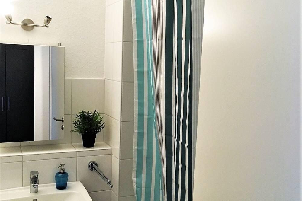 Apartment, 2 Bedrooms (HR026-D13) - Bathroom