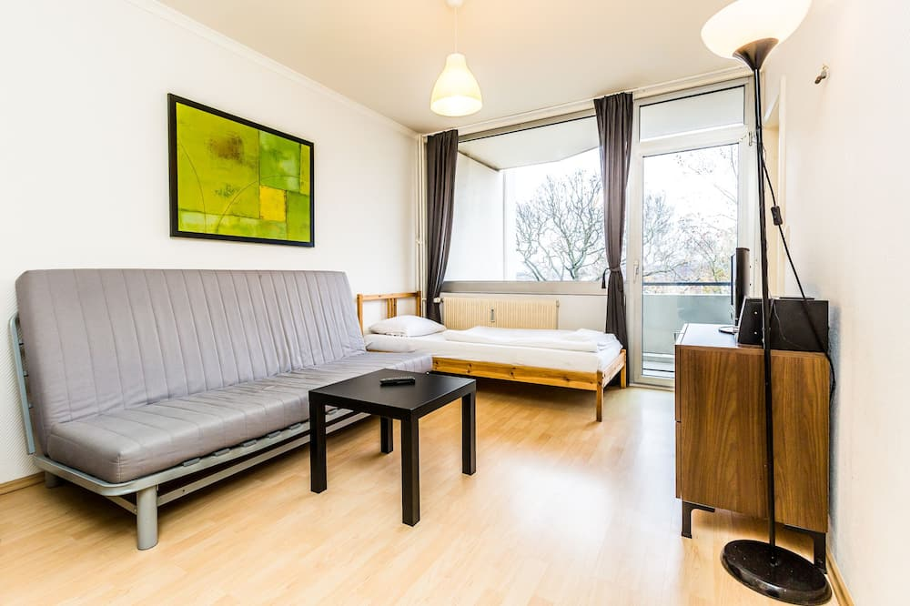 Apartment, 1 Bedroom (HR050-K03) - Living Room