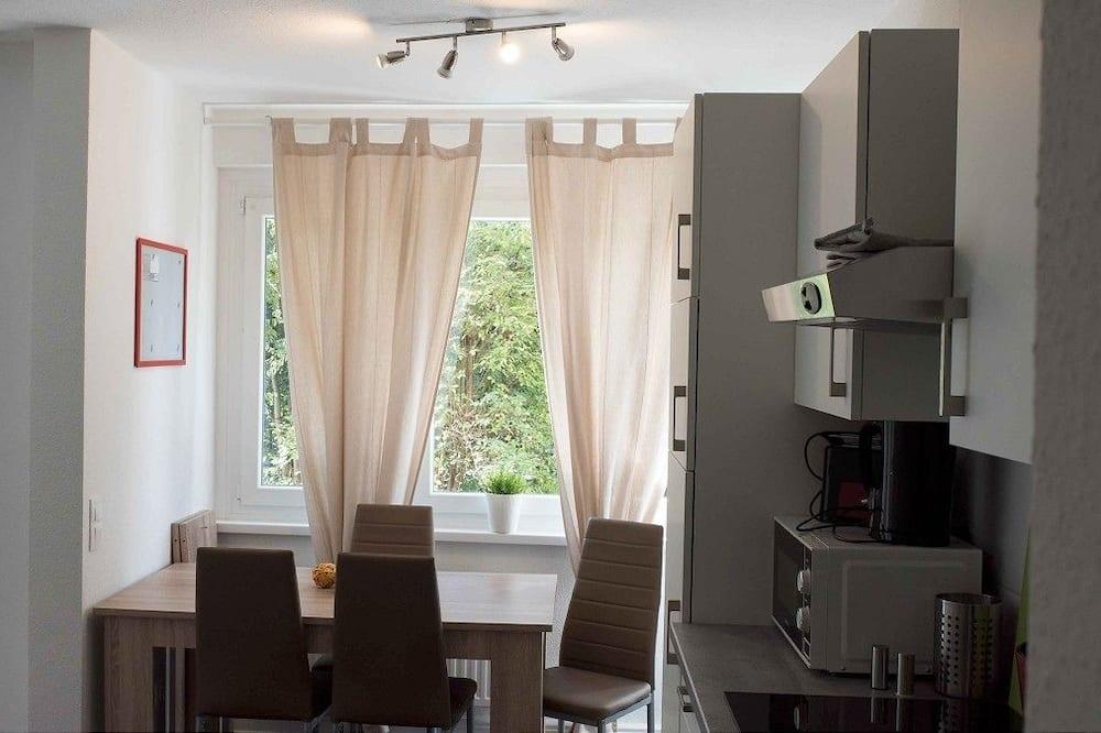 Hus - 5 sovrum (HR054-KH01) - Matservice på rummet