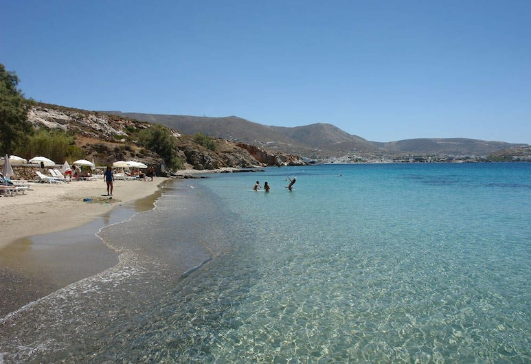 Krios Beach Camping, Πάρος, Παραλία