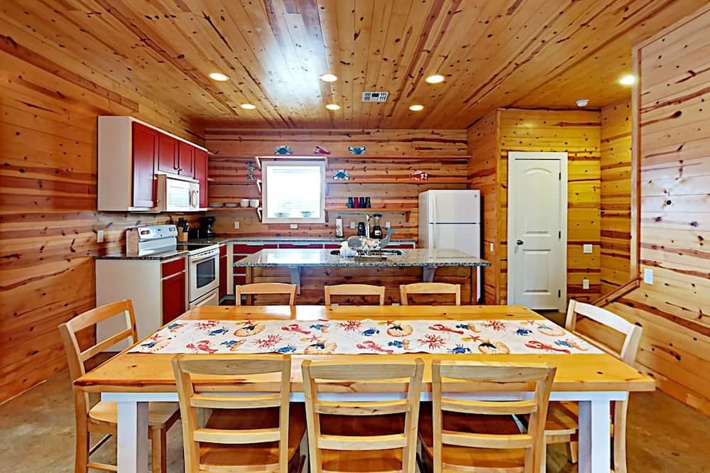 Byt, 3 spálne, kuchyňa - Stravovanie v izbe