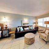 Condo, 1 Bedroom, Kitchen - Living Area