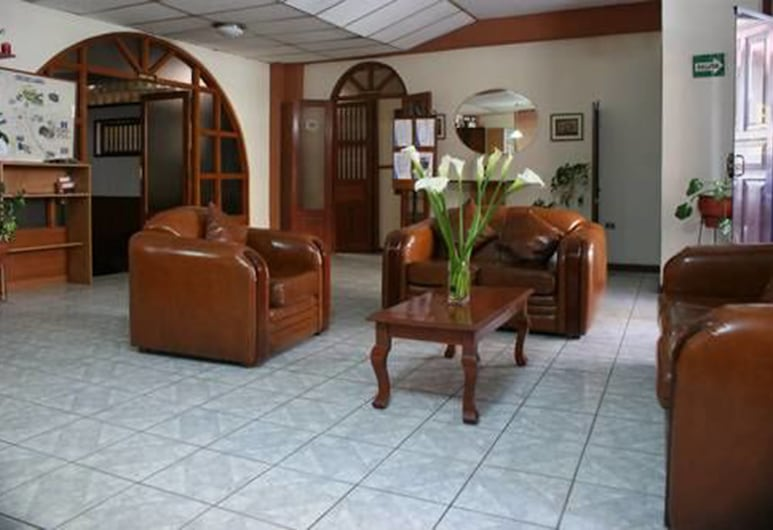 Hotel Clarín, Cajamarca, Lobby Sitting Area