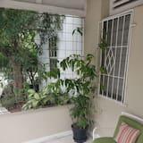 Deluxe Apartment, 1 Queen Bed, Non Smoking - Terrace/Patio
