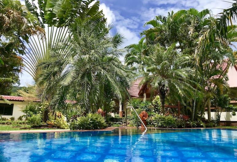 Falang Paradise, Chalong