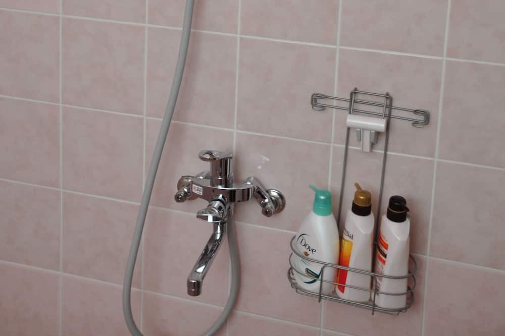 Villa ( 1 ) - Dusche im Bad