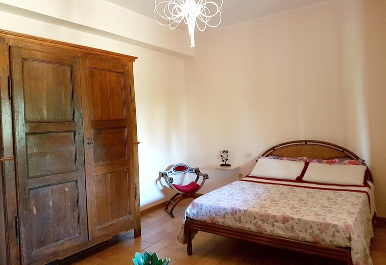 Apartment With 2 Bedrooms in Apsella, With Enclosed Garden and Wifi - 17 km From the Beach, מונטלבטה, דירה, נוף לגן, חדר