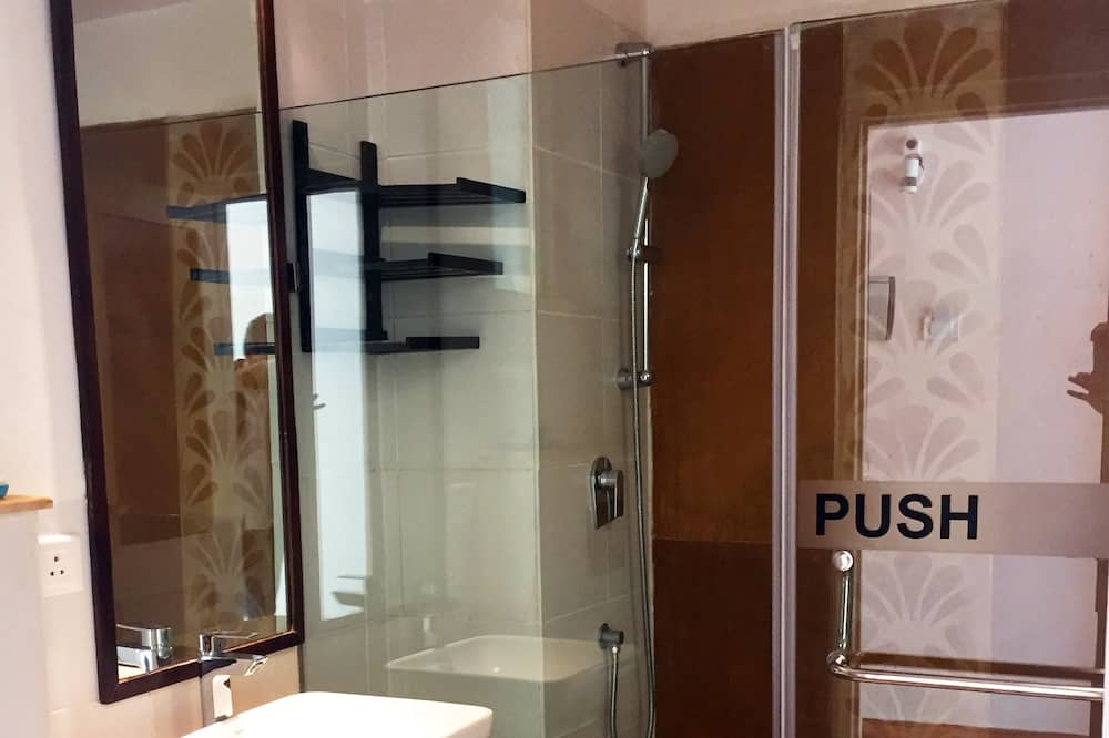 Premium Ganga view - Bathroom