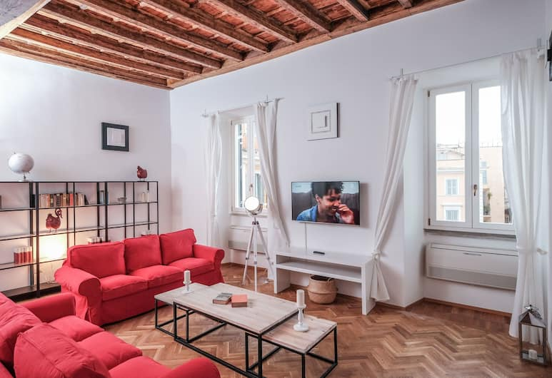 Regal Home in Trastevere, Rome, Apartment, 2 Bedrooms, Non Smoking, 2 Bathrooms, Living Room