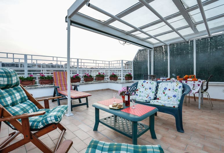 Enjoy the Sunset on Your Vatican Terrace, Rome, Apartment, 2 Bedrooms, Terrace/Patio
