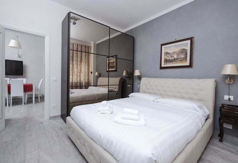 Wonder Relaxing  Garden, Rome, Apartment, 3 Bedrooms, Room