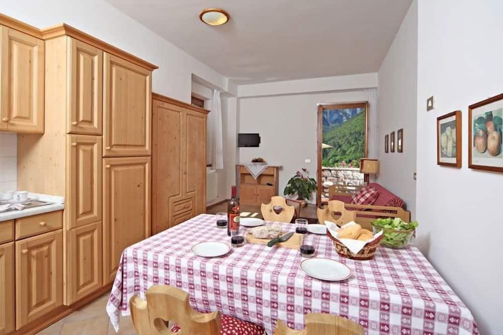 Apartemen, 1 Tempat Tidur Queen dengan tempat tidur Sofa, non-smoking (BILOCALE) - Area Keluarga