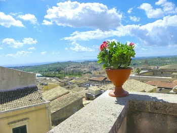 Picture of Cloris Guest House in Noto