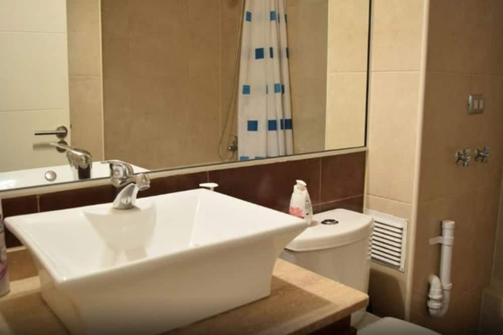 Family Apartment, 2 Bedrooms, Non Smoking, Private Bathroom - Bathroom