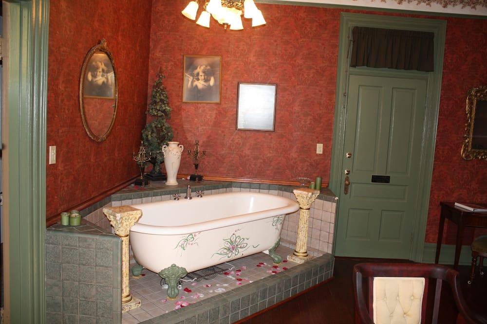 Романтический двухместный номер с 1 двуспальной кроватью (Ribbons and Roses) - Ванная комната