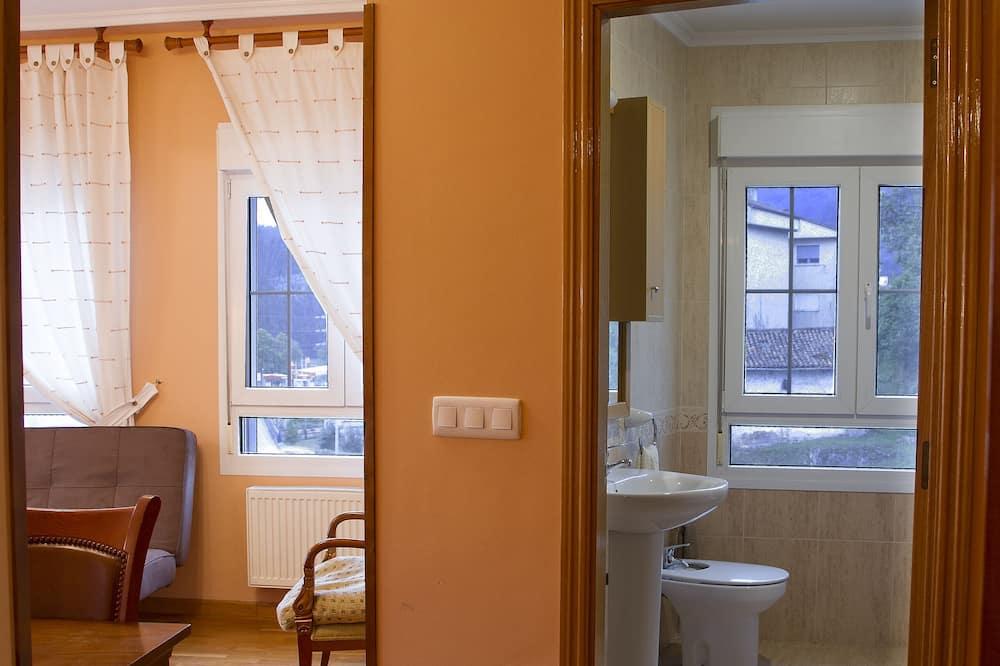 家庭三人房 - 浴室