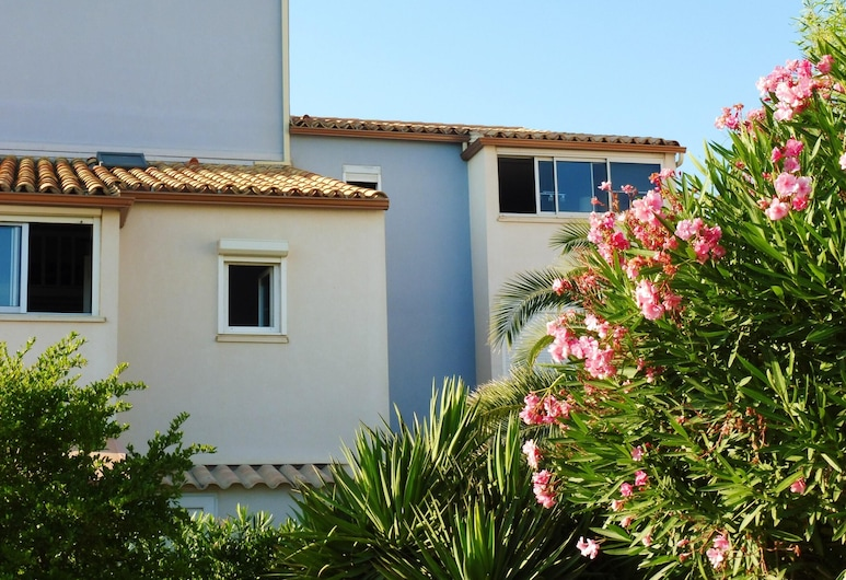 Apartment With one Bedroom in Narbonne, With Wonderful sea View and Balcony - 50 m From the Beach, Narbonne