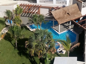 Picture of Tres Soles Apartments in Cancun