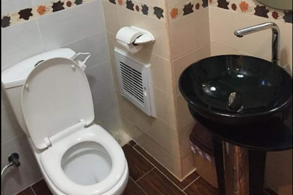 žemesnės liukso klasės numeris - Vonios kambarys