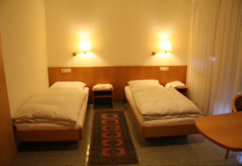 กาสต์เฮาส์ ไคเลอร์เคลาส์, Schwieberdingen, ห้องทวิน, ห้องพัก