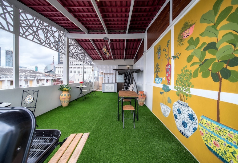 Heim Hostel - Adults Only , Bangkok, Terrace/Patio