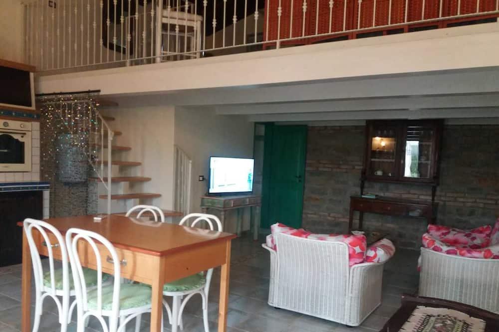 Phòng 4 Deluxe (Margherita) - Khu phòng khách